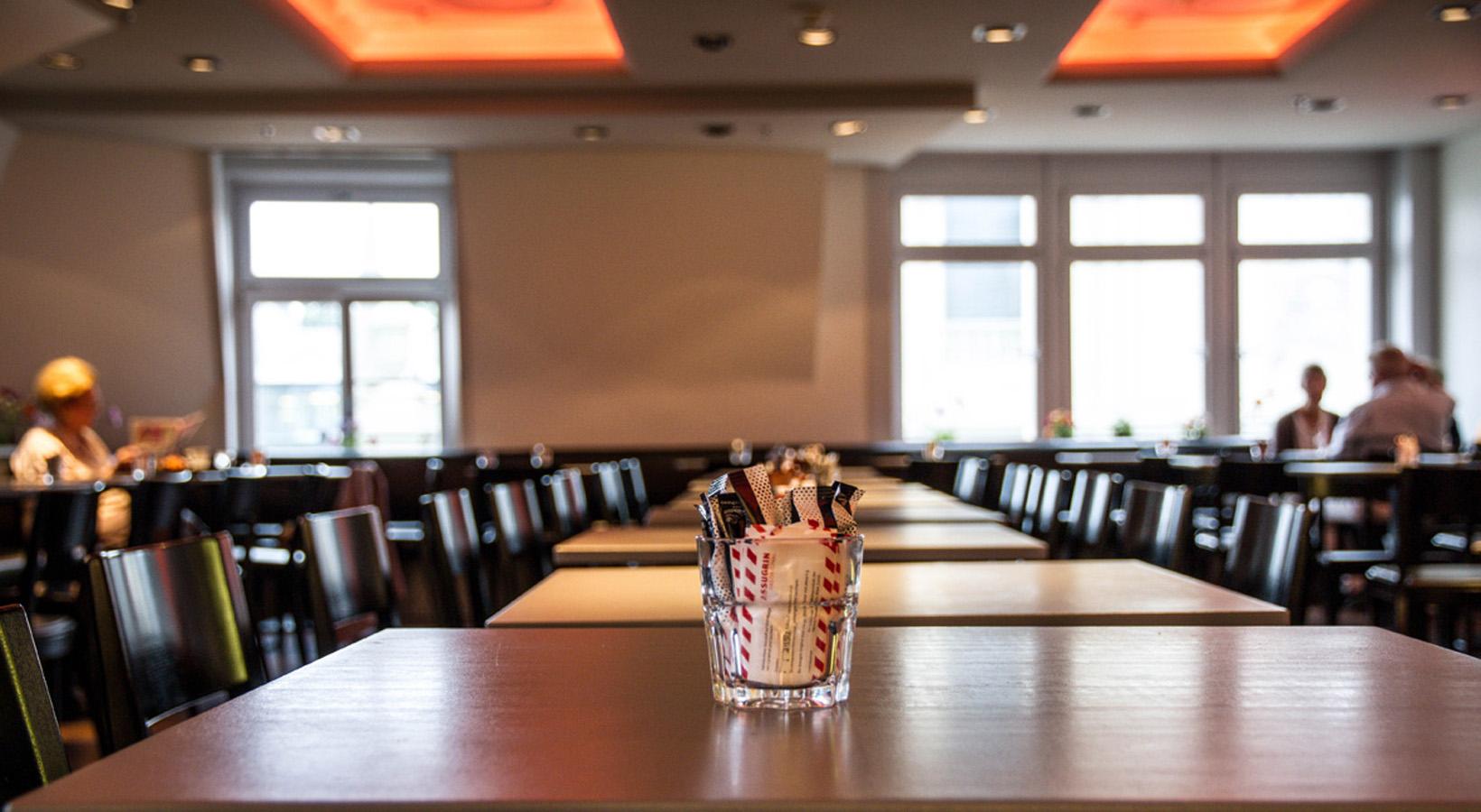 EnergyKitchen-restaurant tisch