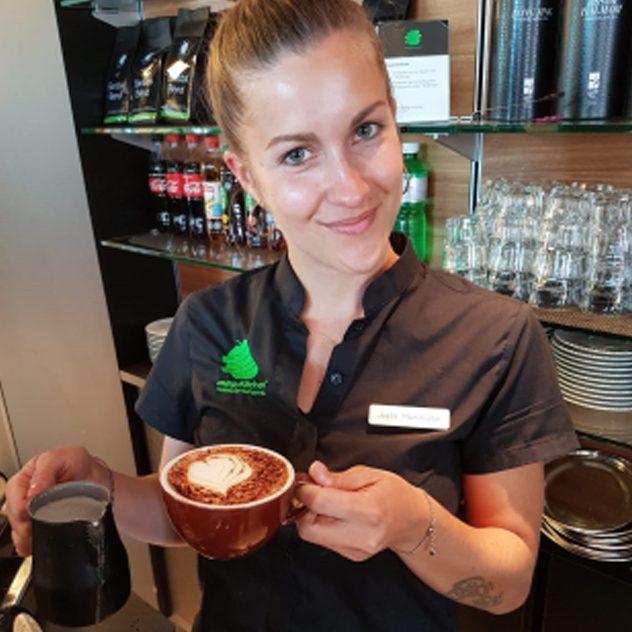 Joëlle Pfammatter - Service Mitarbeiterin Energy Kitchen Café-Bar